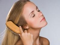 Как правильно расчесывать волосы? Здоровье волос в каждом взмахе!