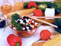 Как приготовить греческий салат – возьмите капельку тепла и солнца!