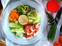 Салат из креветок и авокадо с йогурто-мандариновым соусом — симфония вкусов для гурмана!