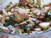Салат из редиски со сметаной — остро и насыщенно!