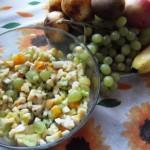 Как приготовить фруктовый салат? Простой рецепт с отменным вкусом и ароматом корицы!